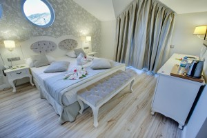 the pine hill hotel and suites deluxe double room